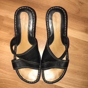 Hush Puppies black leather wedges size 9.5